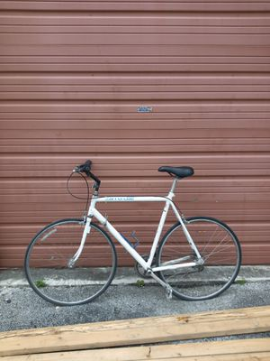 Canondale classic bike needs tlc. It is a great road bike for Sale in Miami, FL