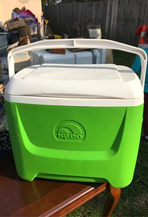 Igloo cooler for Sale in Herndon, VA