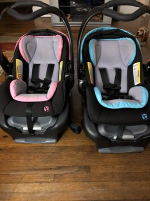 Babytrend Infant Car Seats - Great condition for Sale in Wheeling, WV