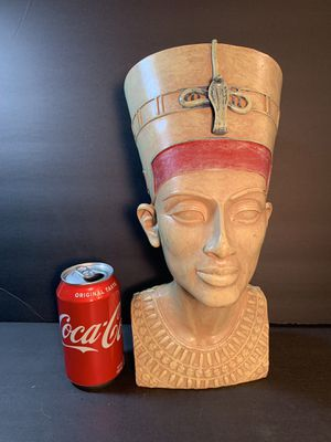 "Nefertiti Resin Bust Statue Sculpture Figurine (Height: 13-1/4"") for Sale in Dade City, FL"