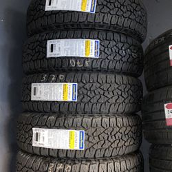 235/75R15 Marca Goodyear Weangler A/T for Sale in Long Beach,  CA