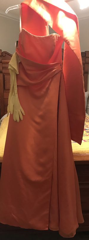 Long evening dress with shawl for Sale in Sherwood, AR