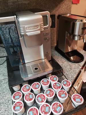 Cuisinart keurig ☕ + Newman's organic k-cup coffee pods for Sale in Fresno, CA