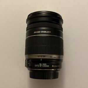 Canon EF-S 18-200mm f/3.5-5.6 IS Lens for Sale in Hialeah, FL
