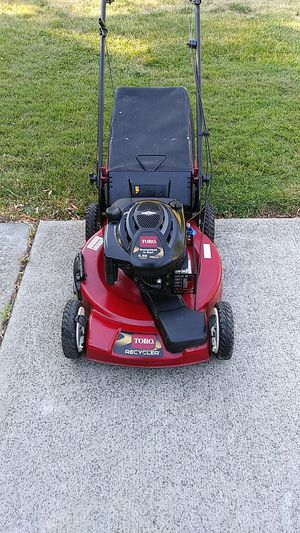 Toro 190cc Self propelled lawn mower with a bag for Sale in Southfield, MI