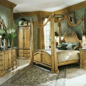 Impressive Aico MICHAEL AMINI KING CALIFORNIA POSTER BEDROOM SET for Sale in Fort Lauderdale, FL