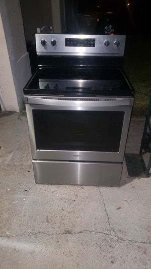 Stainless Whirlpool range convection practically new delivery available for Sale in Kissimmee, FL