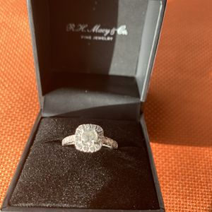 Halo Diamond Engagement Ring Size 6 for Sale in Peoria, AZ