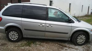 7 pass mini van tow country loaded for Sale in Eastlake, OH
