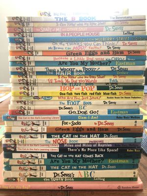 Set of 35 books Dr Seuss all are used some are even vintage. Bundle price PRICE IS FIRM!!! for Sale in Irwindale, CA