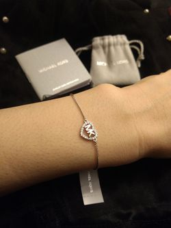 Price Just Dropped: Brand New Michael Kors Bracelet (Pick up🛒 In Bellevue) *Check out my Other Posts 🤹 for Sale in Bellevue,  WA