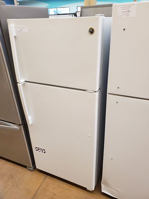 GE Top Freezer Refrigerator for Sale in Whittier, CA
