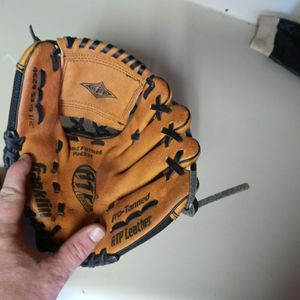Nice Leather Franklin Youth Baseball Gloves for Sale in Indianapolis, IN