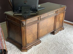 Home office desk for Sale in Perkasie, PA