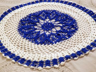 """22"""" Crochet Vintage Lace Round White and Blue for Sale in Eagle Pass,  TX"""