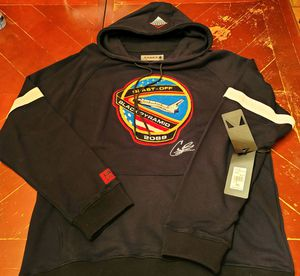 Black Pyramid Sweat Shirt for Sale in Adelphi, MD