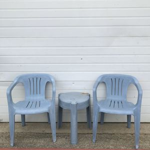 Three (3) piece plastic patio chair and side set. Some wear for Sale in Irving, TX