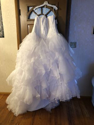 Oleg Cassini Wedding Dress for Sale in Garfield Heights, OH