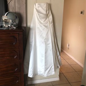 David's Bridal White Wedding Dress Size 16 for Sale in Tampa, FL