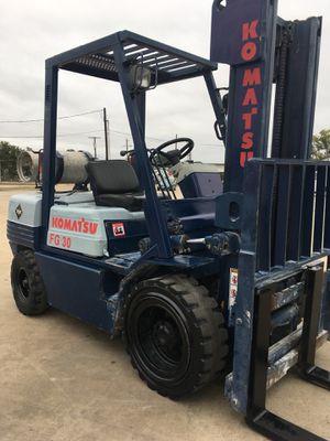 Forklift komatsu 6000 lbs capacity for Sale in Dallas, TX