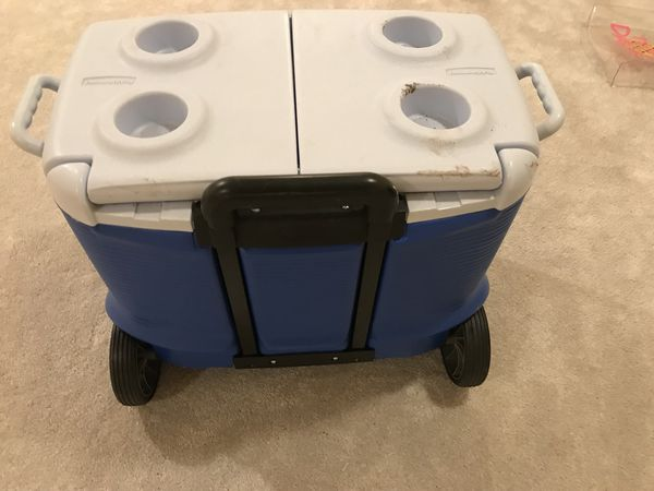 Cooler with handle and wheels