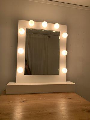 Vanity mirror makeup mirror for Sale in Los Angeles, CA