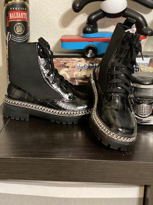 Missguided Chunky Ankel Boots for Sale in Palmdale, CA