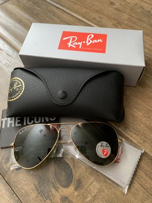 Polarized Ray Ban Aviator 58mm classic frame sunglasses for Sale in Las Vegas, NV