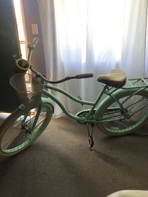 Women's Huffy deluxe beach cruiser for Sale in Inglewood, CA