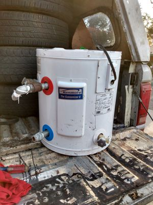 Kenmore electric water heater for Sale in Stockton, CA