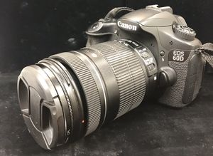 Canon EOS 60D Digital Camera with 18-135mm Lens for Sale in Miami, FL