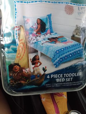 Target toddler bed set Moana for Sale in Inglewood, CA