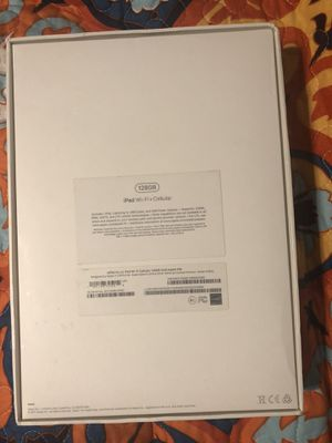Apple IPad 128GB Gold + Cellular AT&T for Sale in Philadelphia, PA