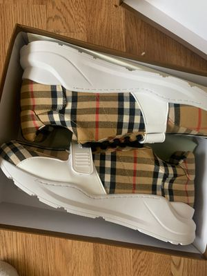 Burberry sneakers size 45 US11 600 for Sale in Sicklerville, NJ