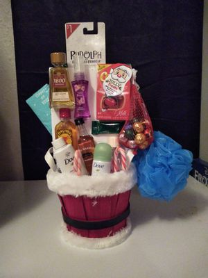Xmas basket for Sale in Fort Worth, TX