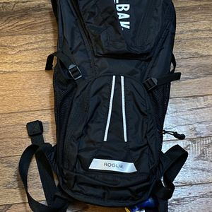 Camelbak Rogue Small Backpack With Bladder Water for Sale in Bakersfield, CA