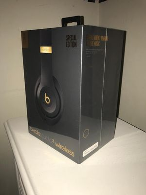 Beats by Dr. Dre Studio3 Wireless Headphones for Sale in Beverly Hills, CA