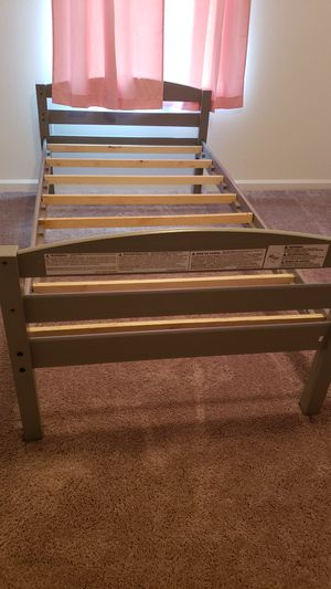 Bunks beds with twin mattress for Sale in MAGNOLIA SQUARE, FL