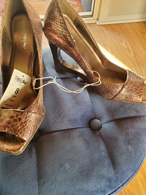 Mossimo size 8 brown heels new for Sale in Covina, CA