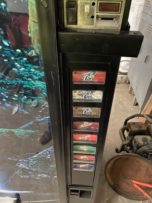 Vending machine for Sale in Florissant, MO