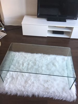 Modern glass coffee table for Sale in Orlando, FL