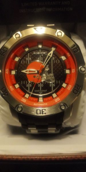 NEW IN BOX. MENS INVICTA AUTOMATIC CLEVELAND BROWNS PRO DIVERS WATCH for Sale in Elyria, OH