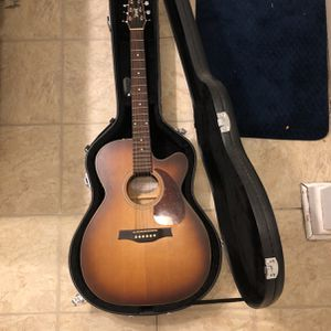 Seagull Entourage Acoustic Guitar(case Included) for Sale in Pleasant Plains, AR