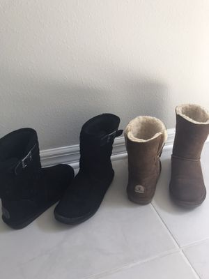 Boots BearPaw /black and camel color/ worn once like new size 7 /from a clean and smoke free home/ set of 2 for Sale in Bradenton, FL