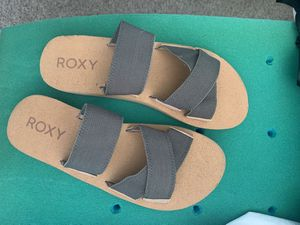 New Roxy olive and tan sandals size 9 for Sale in Upland, CA