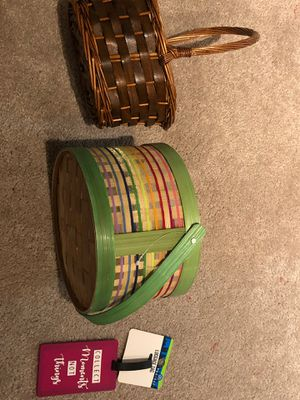 2 small baskets and a luggage tag for Sale in Woodbridge, VA