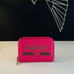 GUCCI Logo Pink Leather Coin Wallet for Sale in Los Angeles,  CA