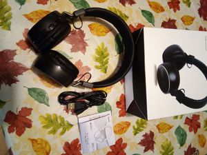FE-102 Bluetooth wireless Headphones microphone headset for Sale in Mount Vernon, WA