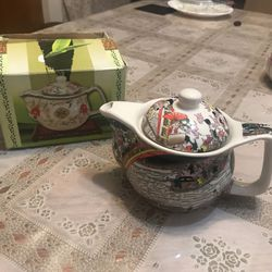 Brand New Tea Pot for Sale in Beverly Hills,  CA