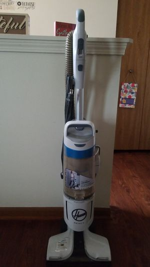 Hoover React vacuum for Sale in Moon, PA